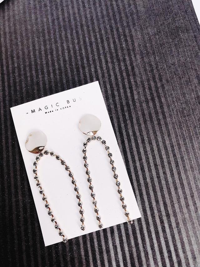 81C201 金屬片搖曳鑽石耳環