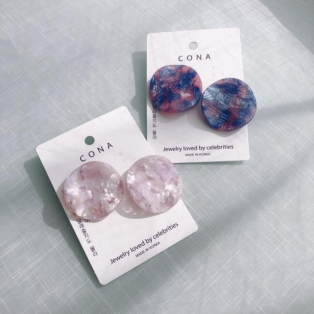 816116 壓花環狀耳環 - 粉藍 (耳夾)
