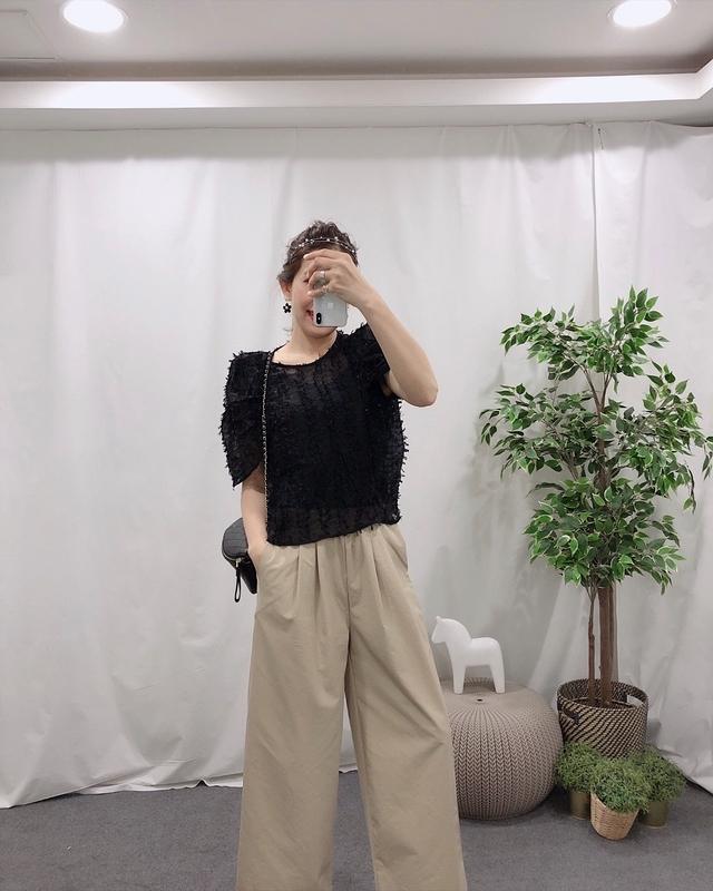 914023 巨星羽毛抽鬚衫 - 兩色