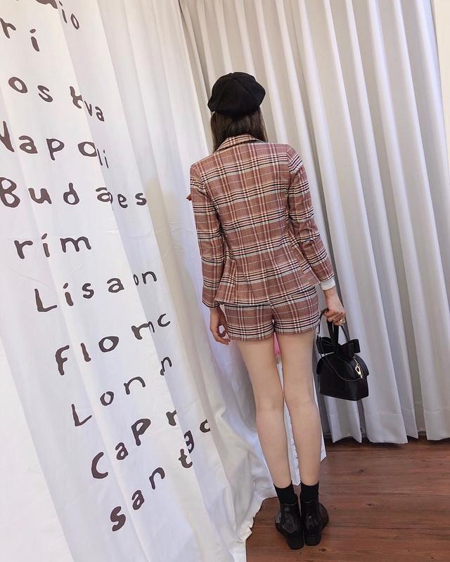 81A030 格紋短褲 -紅