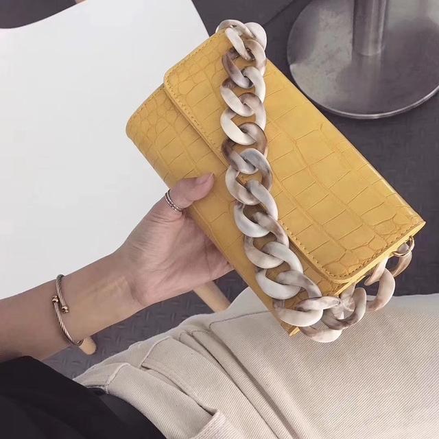 916342 大理石壓克力鏈手拿包 - 白色