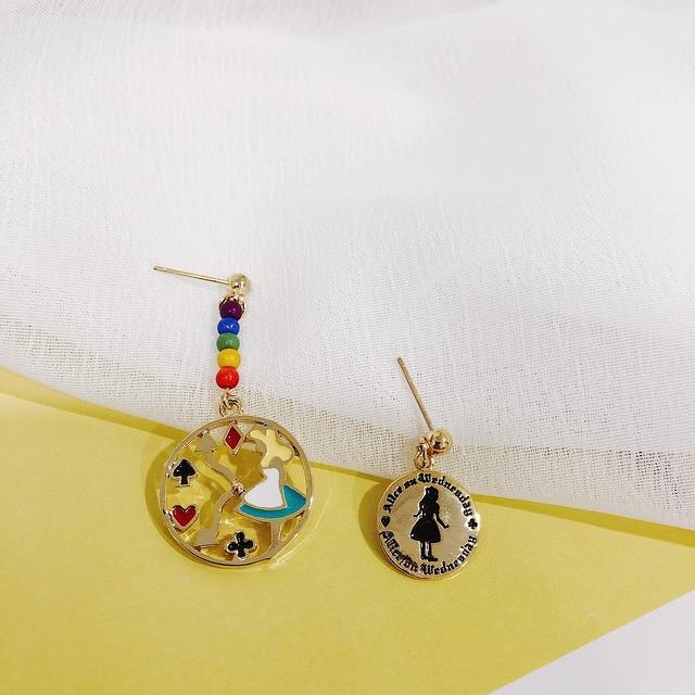 915173 愛麗絲童話耳環