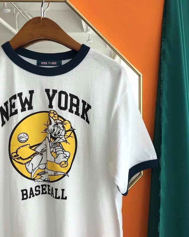 717027 紐約小貓棒球隊棉tee - 白色 (背後側邊破洞)