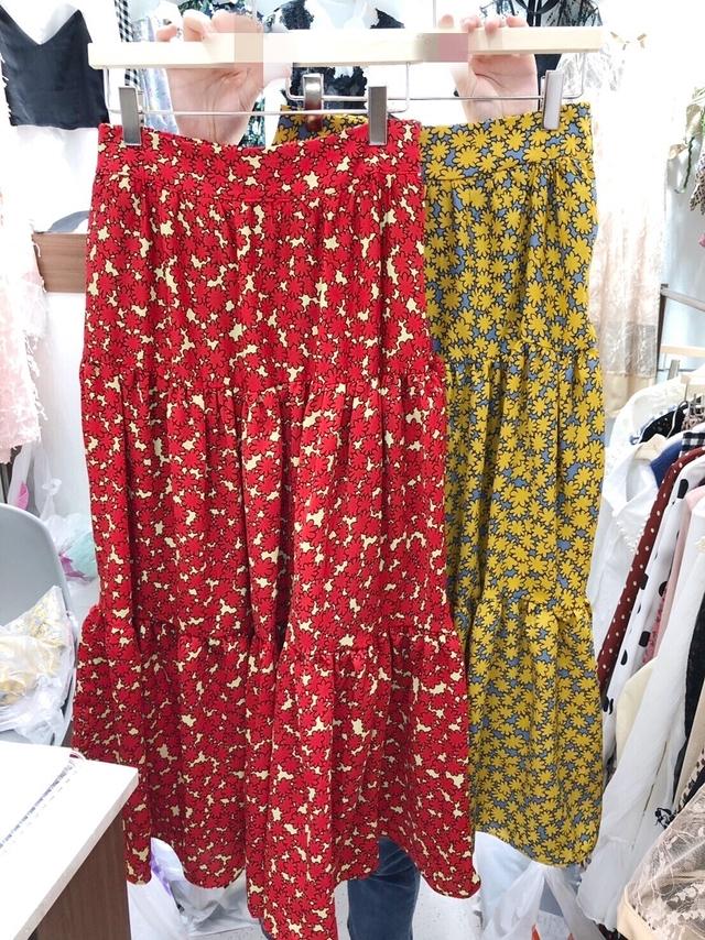 913084 小花雪紡蛋糕長裙 - 兩色
