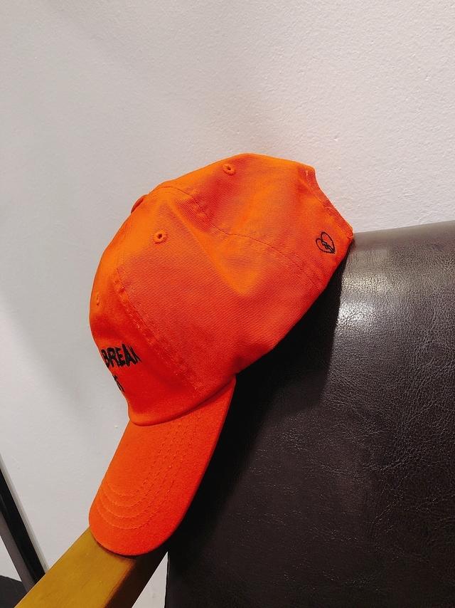 914144 刺繡字母棒球帽 - 紅色