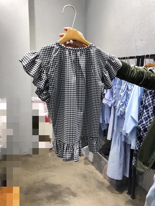 916064 方格小排釦綁帶上衣