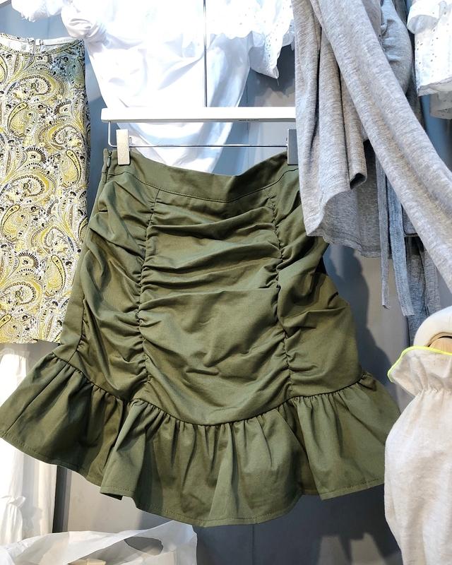 916009 抓皺花瓣短裙(內裡褲子) - 綠