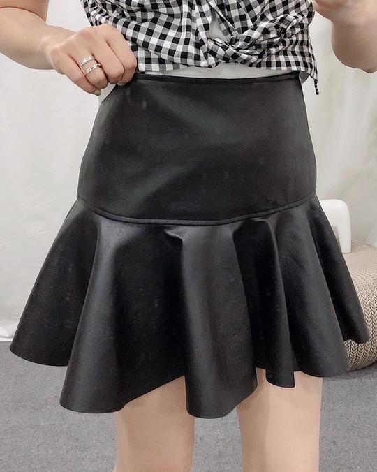 914008 波浪皮裙 - 兩色