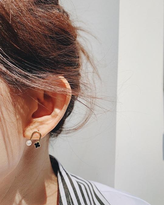 916162 小花珍珠耳環 -白