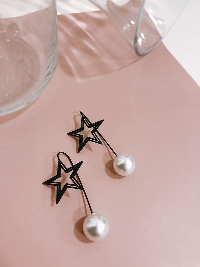 914178 黑色星星珍珠耳環