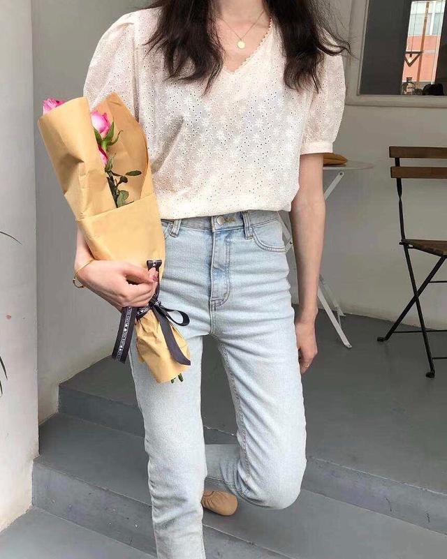 913518 小花朵蕾絲上衣