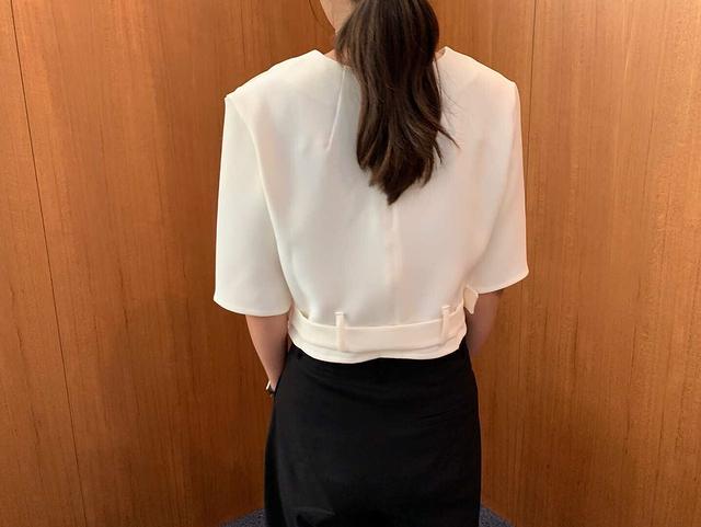 918055 經典短版束腰上衣 -兩色