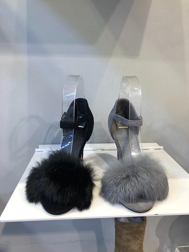 81C087 毛毛麂皮高跟鞋 - 25