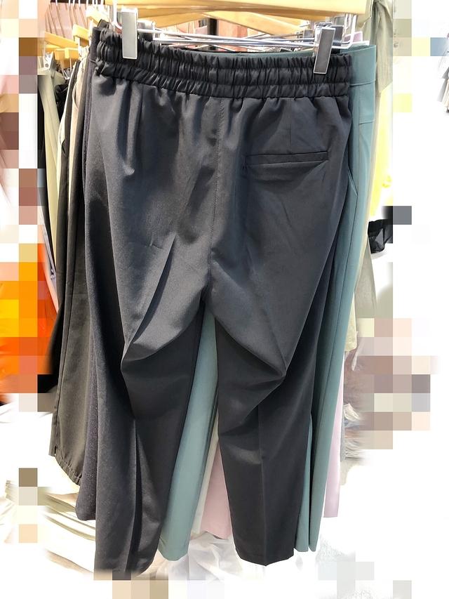 914090 異材質設計感長褲 - M