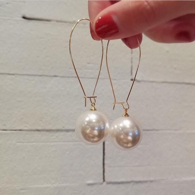 819088 細金屬珍珠耳環