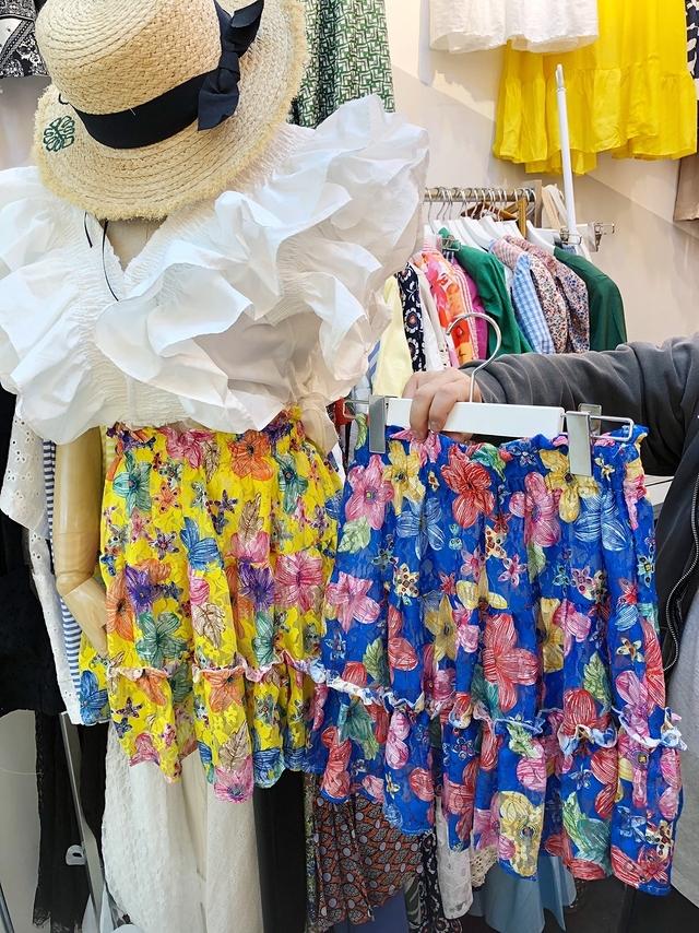 916016 夏日花朵繽紛短裙(內裡褲子) - 兩色