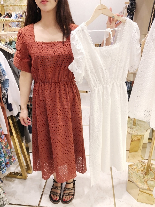 818060 優雅方領蕾絲雕花洋裝 - 白色
