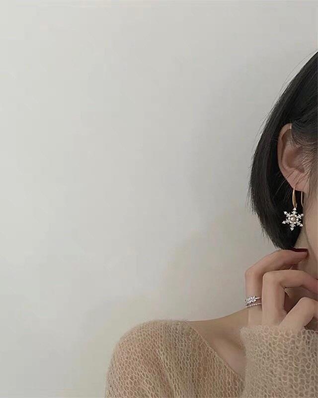913711 雪花珍珠勾式耳環