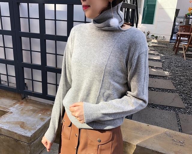 81B012 肩造型高領羊毛毛衣 - 灰