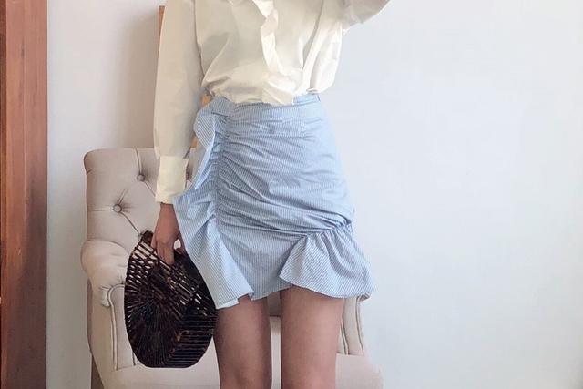 812051 直條紋抓皺短裙 -S
