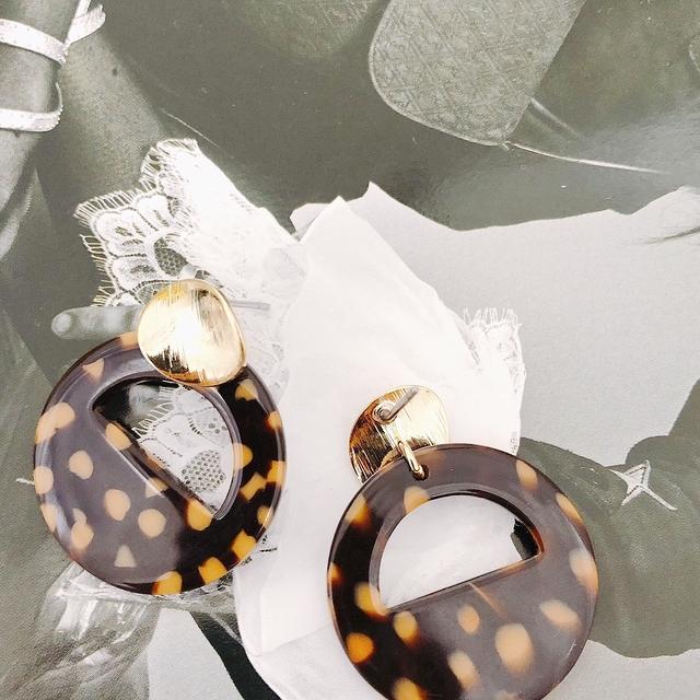 915130 金屬玳瑁色耳環