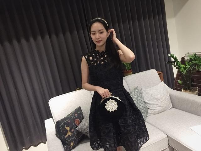 811125 質感蕾絲小洋裝-白色