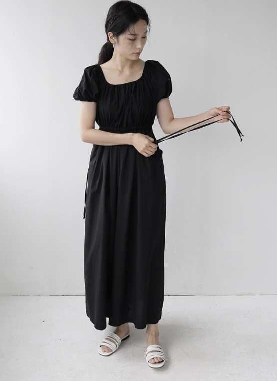 713042 純色拉領腰抽繩連身褲 - 黑