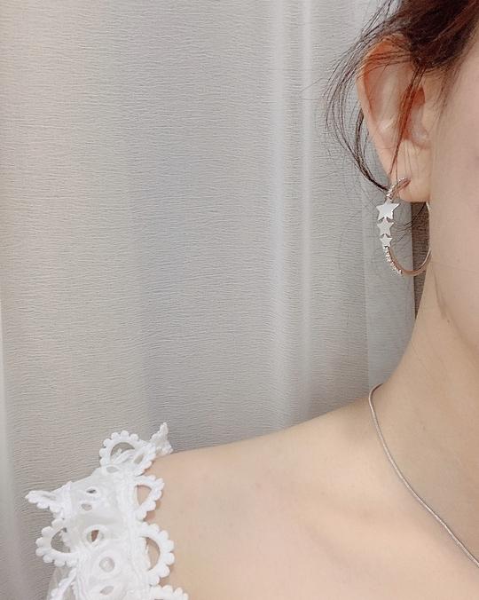 915127 大小星星鑽石耳環 - 兩色