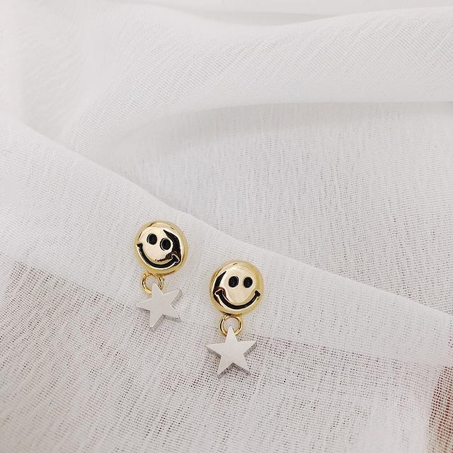 915145 微笑星星耳環