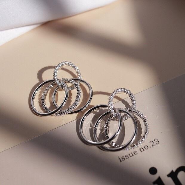 913715 奢華亮鑽耳環 - 金色