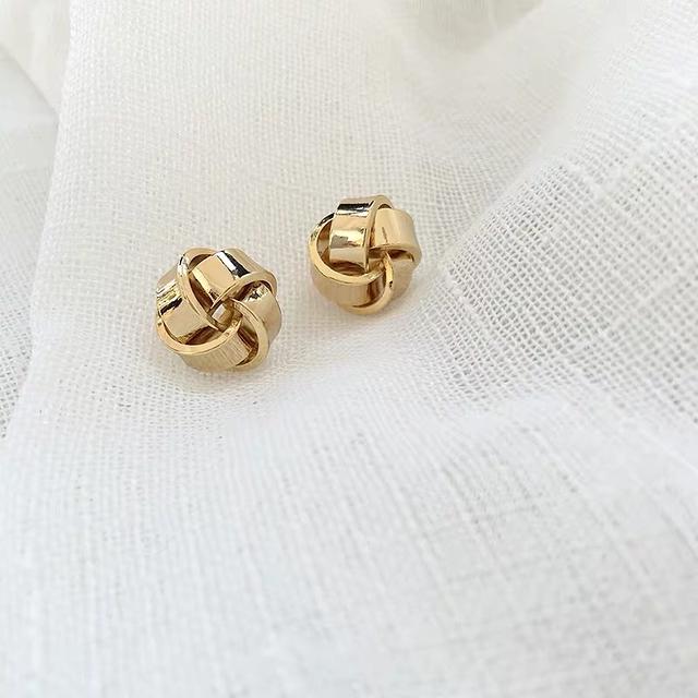 912008 金屬編織球球耳環