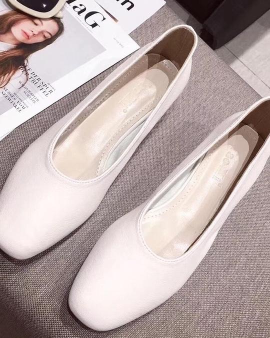 918005 小羊皮軟面低跟鞋 - 白23.5