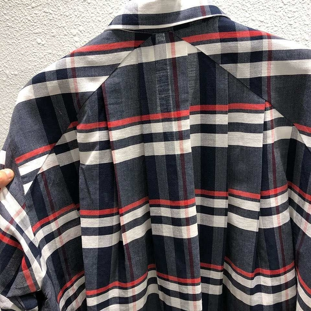 913028 氣勢大格紋棉麻風衣洋